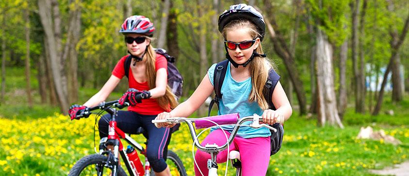 Fyller cykelhjälmar verkligen sin funktion?